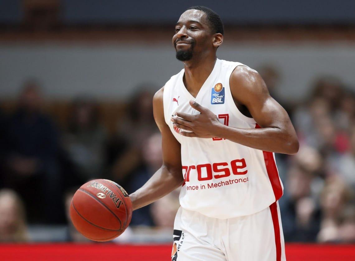 Loko signs Jordan Crawford