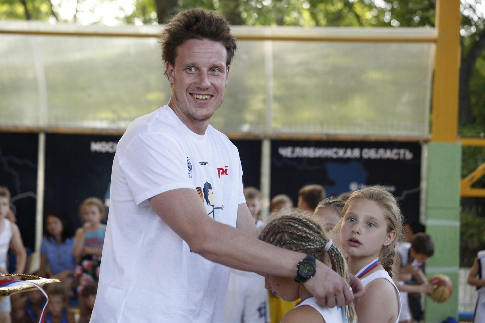 Дмитрий Кулагин стал гостем фестиваля «Мини-баскетбол РФБ»