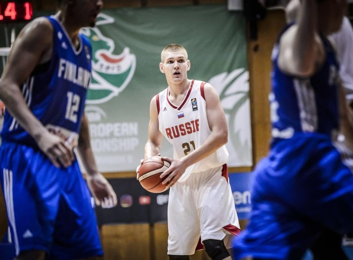 Дабл-дабл Кирилла Попова помог сборной U20 выйти в полуфинал